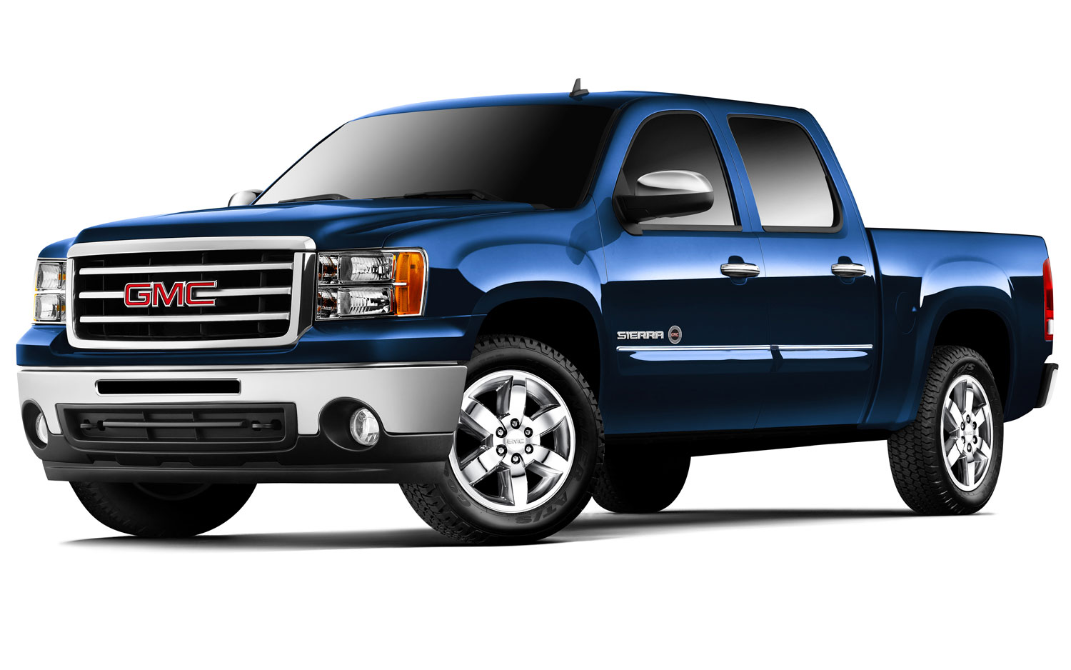 of the new 2013 GMC Sierra has truck lovers chomping at the bit